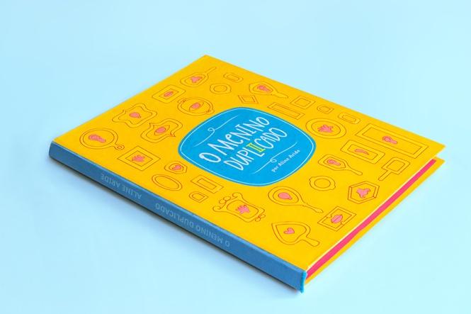 livro-o-menino-duplicado-bienal-design-grafico-inclusao-social-1